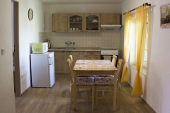 Apartmán 2 - kuchyň s jídelnou